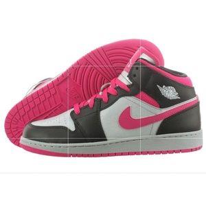 info for 0b5c2 a7cad Nike Air Jordan 1 Mid GG